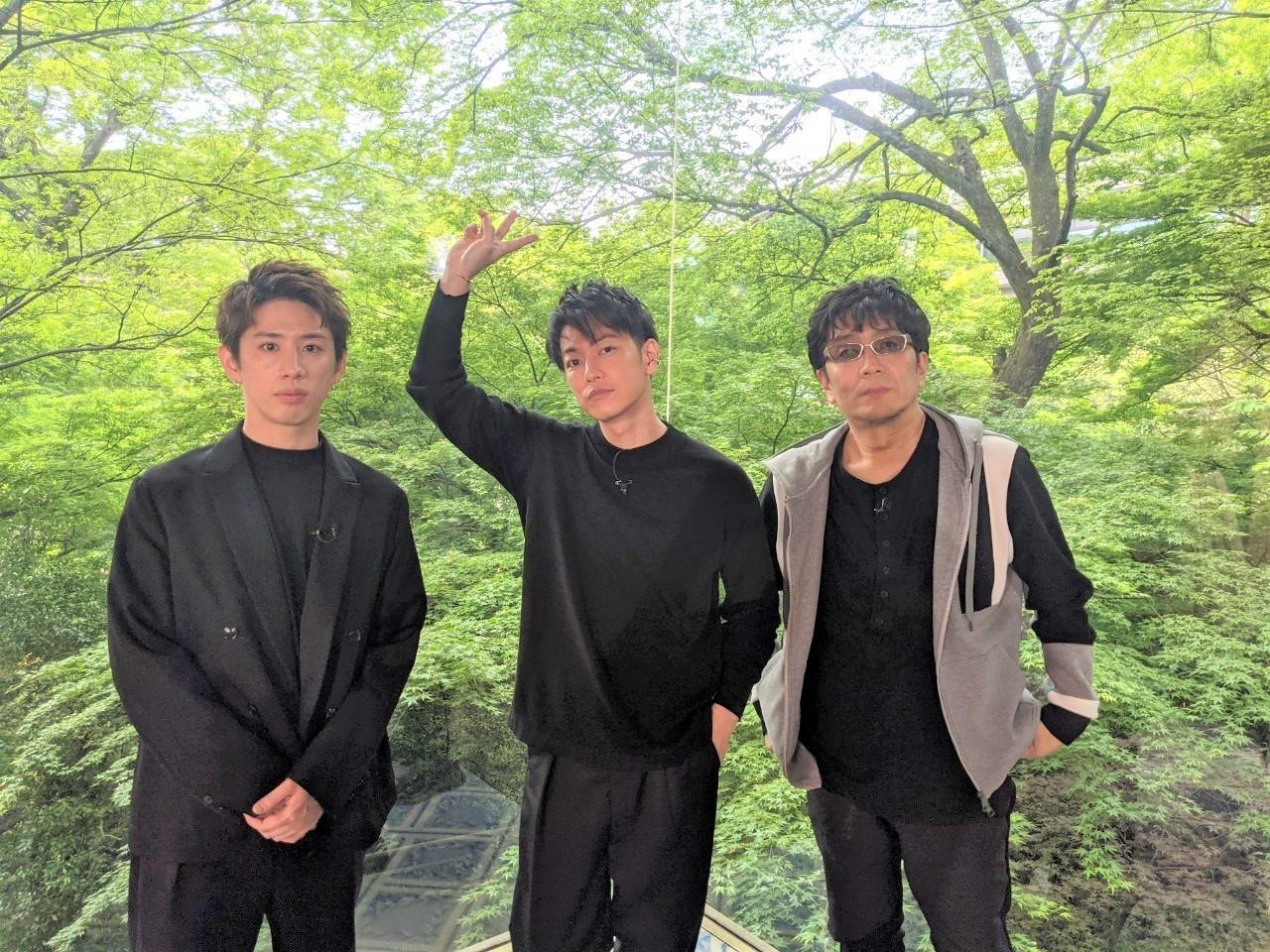 左から、Taka(ONE OK ROCK)、佐藤健、大友啓史監督 『ボクらの時代』オフショットより