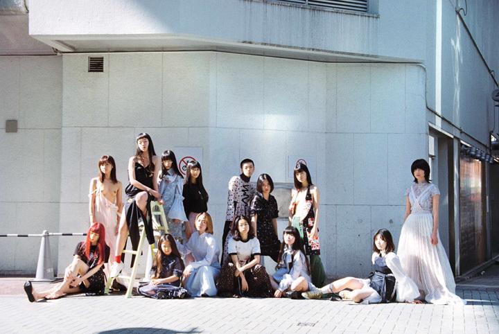田口まき作品 Photo by Maki Taguchi Clothes by AKIKOAOKI / Styling by KEISUKE YOSHIDA
