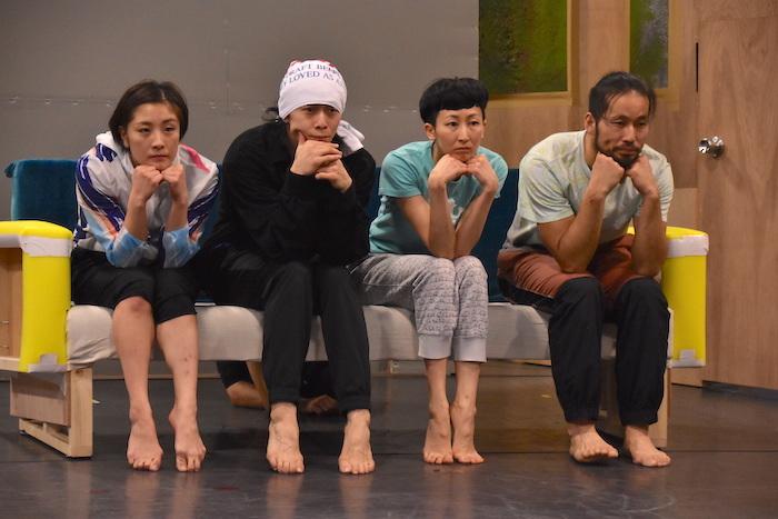 西山友貴、加賀谷一肇、鈴木美奈子、川合ロン(左から)