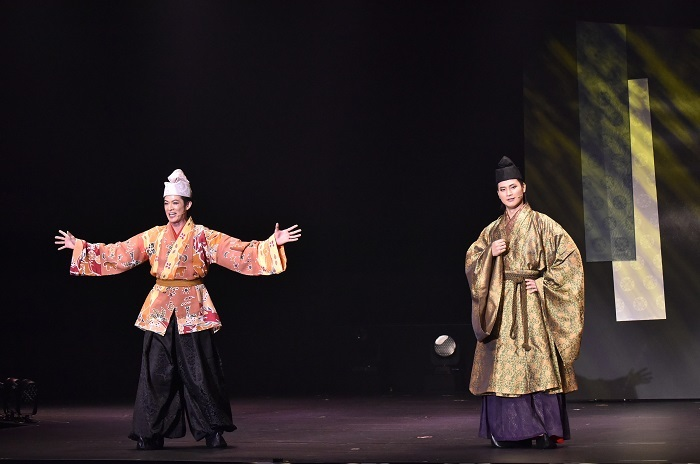 (左から)新納慎也、日野真一郎 撮影:阿部 章仁