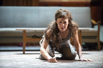 ヘレン・マックロリー主演、劇作家エウリピデス作のギリシャ悲劇 NTLive『メディア』の上映が決定