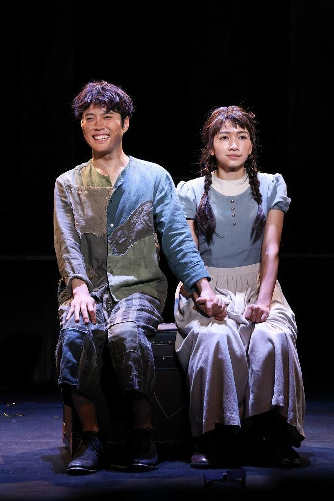 (左から)入野自由、豊原江理佳 撮影: 宮川舞子