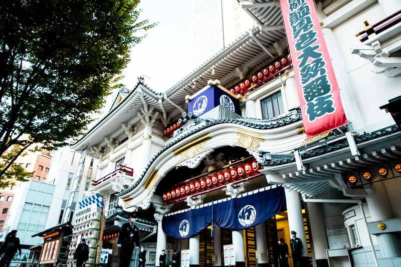11月の歌舞伎座に、今年も無事、櫓があがった。