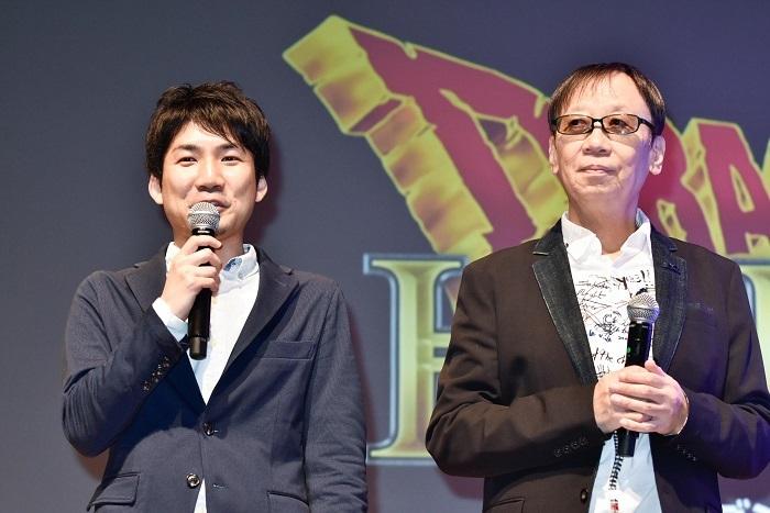青海プロデューサーと堀井雄二 撮影=原地達浩