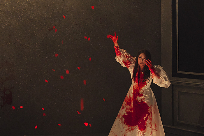 『ルチア~あるいはある花嫁の悲劇~』森谷真理 (撮影:長澤直子)