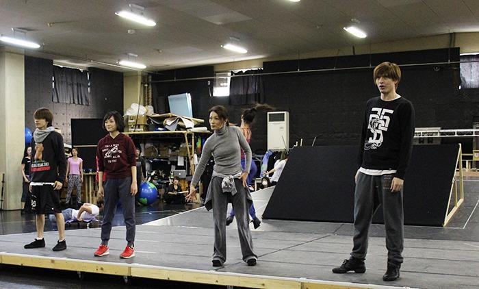 (左から)平間壮一、大原櫻子、マルシア、城田優 @『The Love Bugs』稽古場