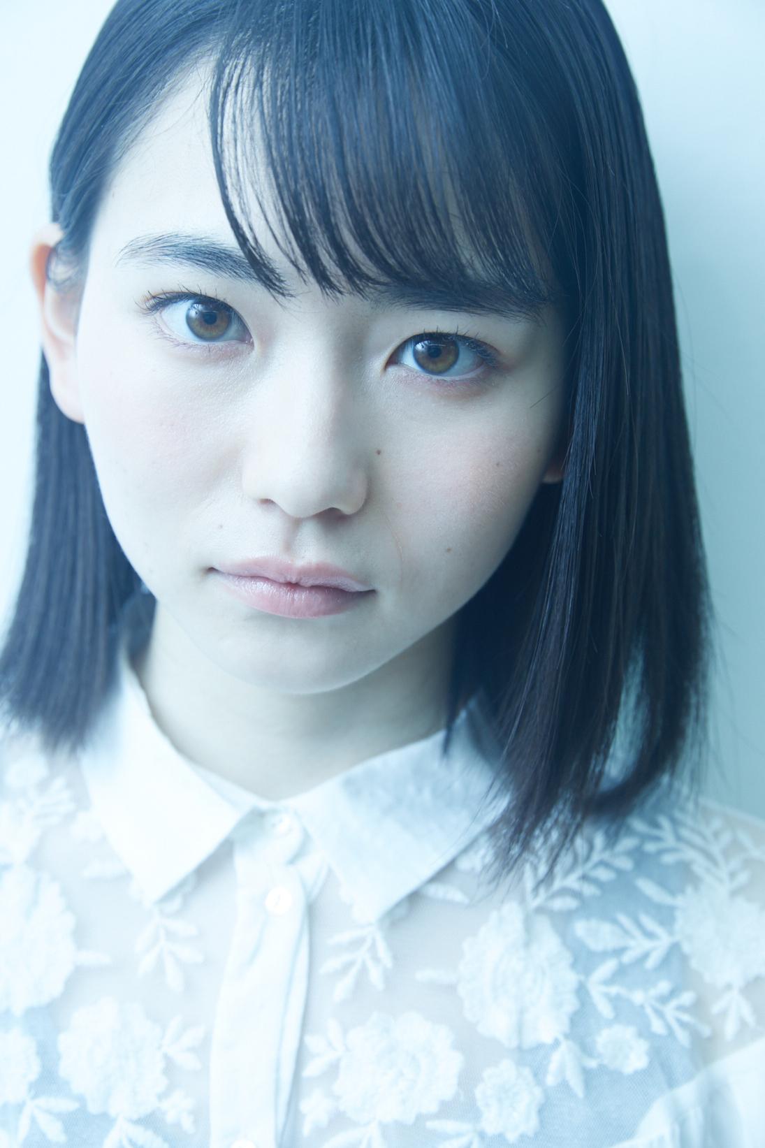 茶色い目の山田杏奈