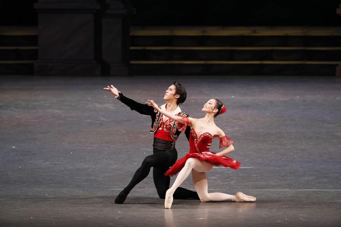 新国立劇場バレエ団『ドン・キホーテ』過去の舞台写真 (撮影:瀬戸秀美)