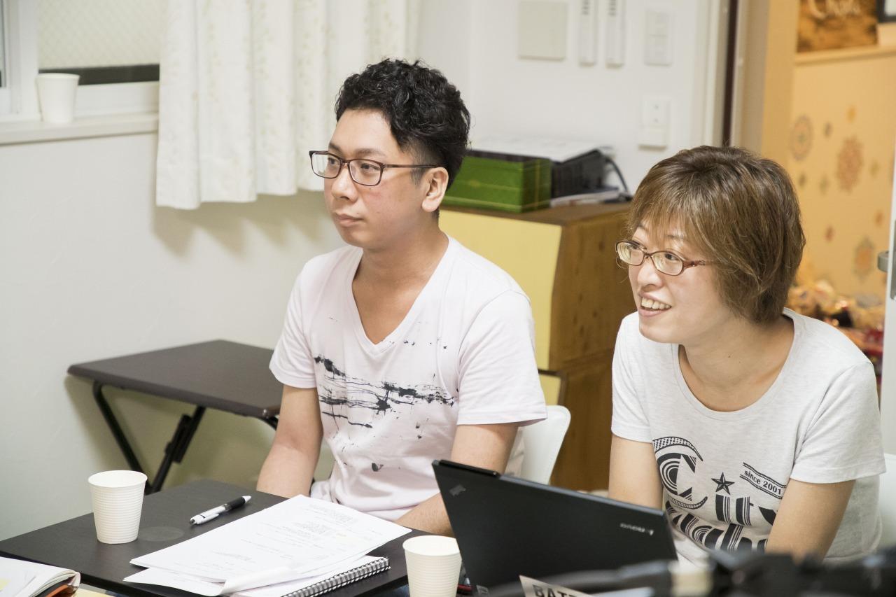 左から、佐藤浩章、平塚千穂子 撮影=高橋定敬