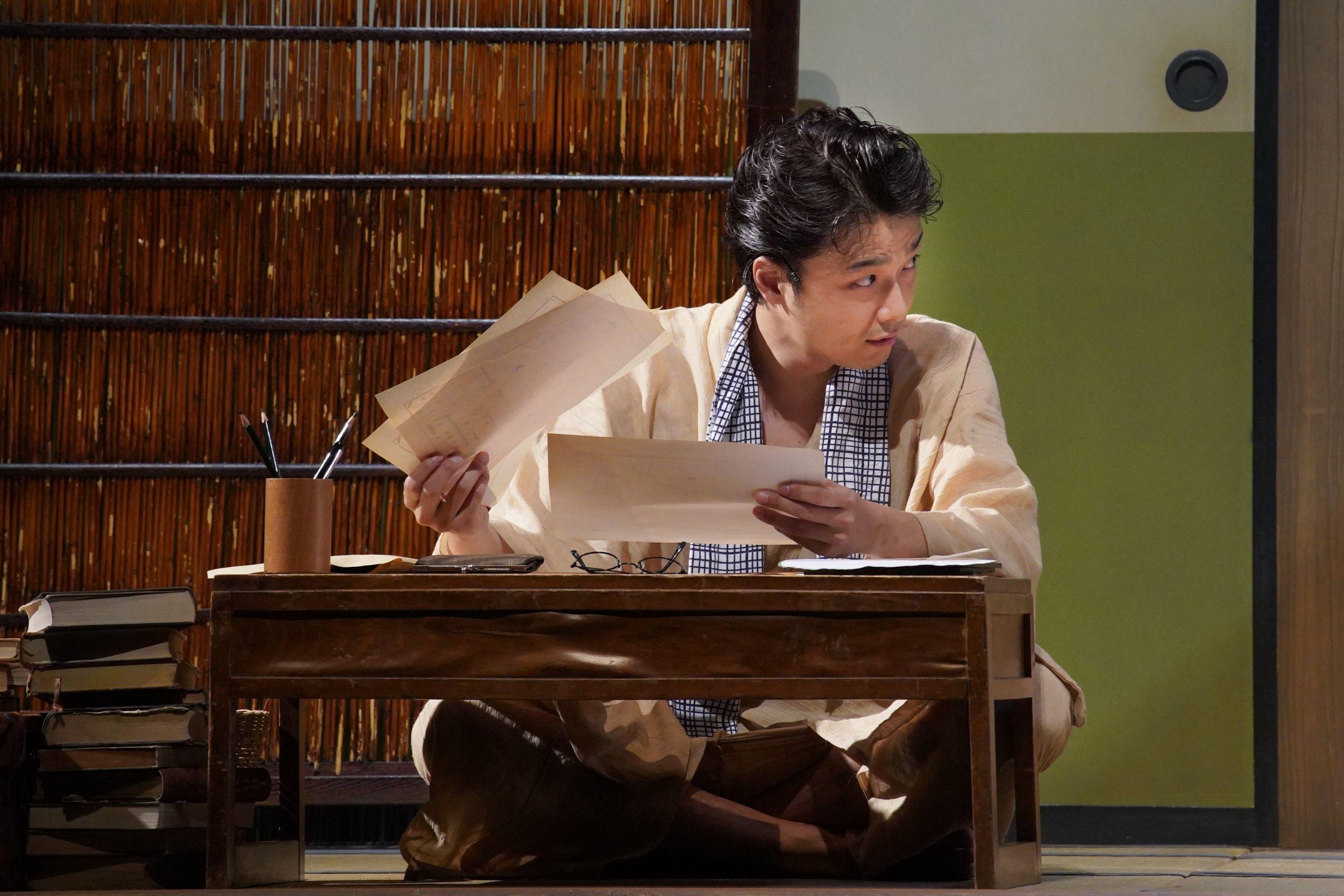舞台『組曲虐殺』井上芳雄 撮影=宮川舞子