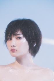 佐藤千亜妃、初のソロアルバムをリリース 東京・盛岡でワンマン公演も