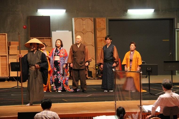 皆さまのお越しをお待ちしています。 「満仲」通し稽古 10月10日組 初日の様子     (C)H.isojima