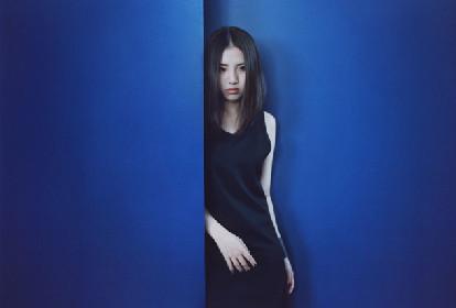 """阿部真央が""""産んだ""""新作アルバム「Babe.」2月にリリース決定"""