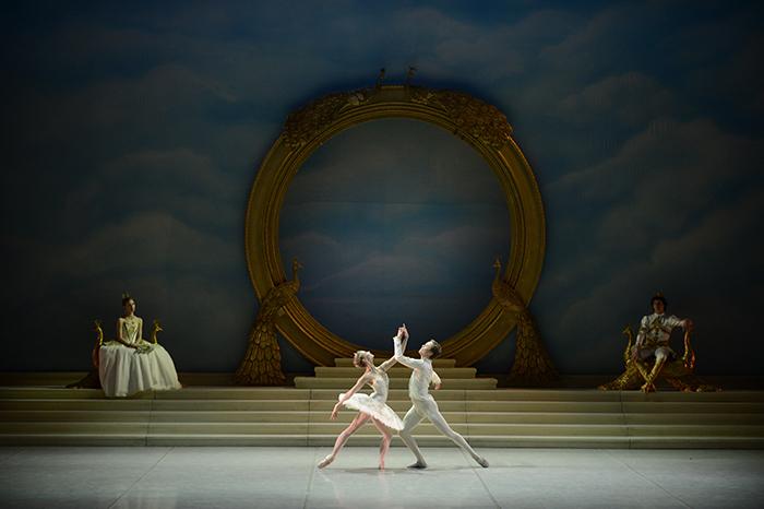 ミハイロフスキー劇場バレエ『眠れる森の美女』