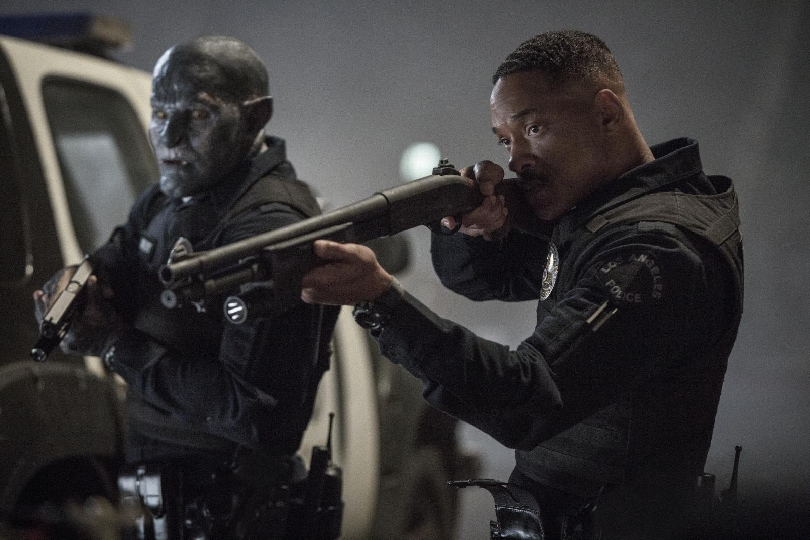 左から、ジョエル・エドガートン、ウィル・スミス Netflixオリジナル映画『ブライト』 12月22日全世界同時オンラインストリーミング