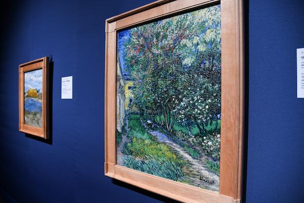 フィンセント・ファン・ゴッホ《サン=レミの療養院の庭》 クレラー=ミュラー美術館蔵