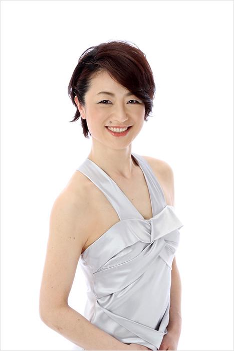岡井麻理子