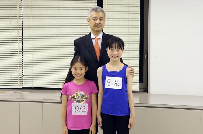 丸美屋食品工業株式会社 広報宣伝室  杉山典由室長と新アニーの二人