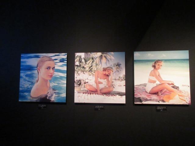 写真家・ハウエル・コナンによる貴重なショット。ジャマイカの紺碧の海を背景に。