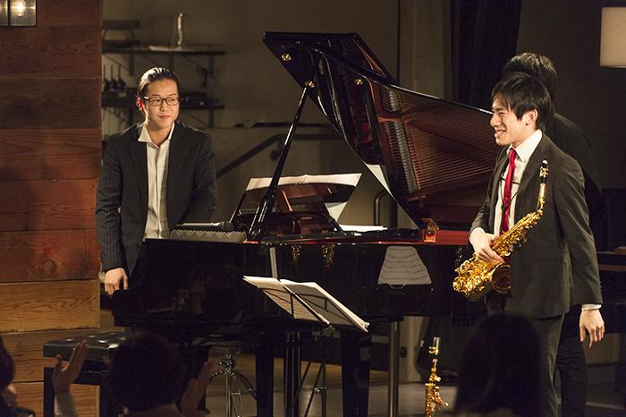 反田恭平(ピアノ)、上野耕平(サックス) (撮影=岡崎雄昌)