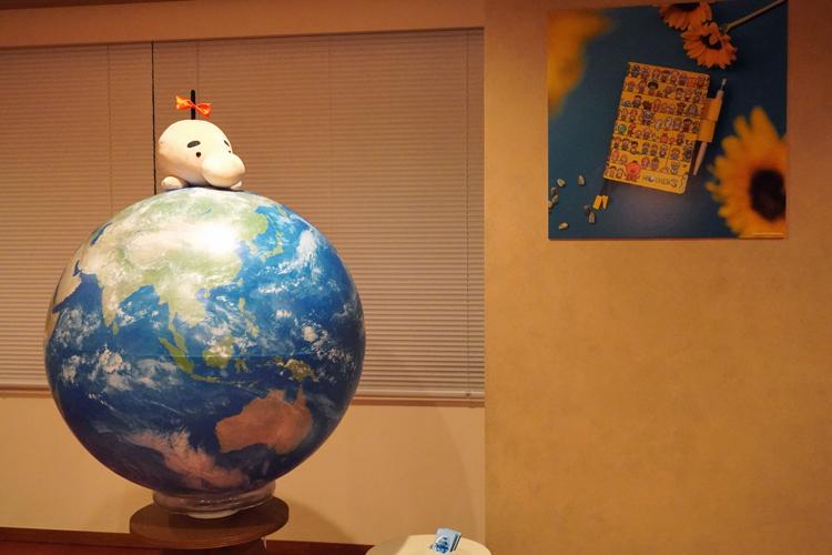 世界を見守るどせいさんは、きっと世界中で愛されているのだろう。