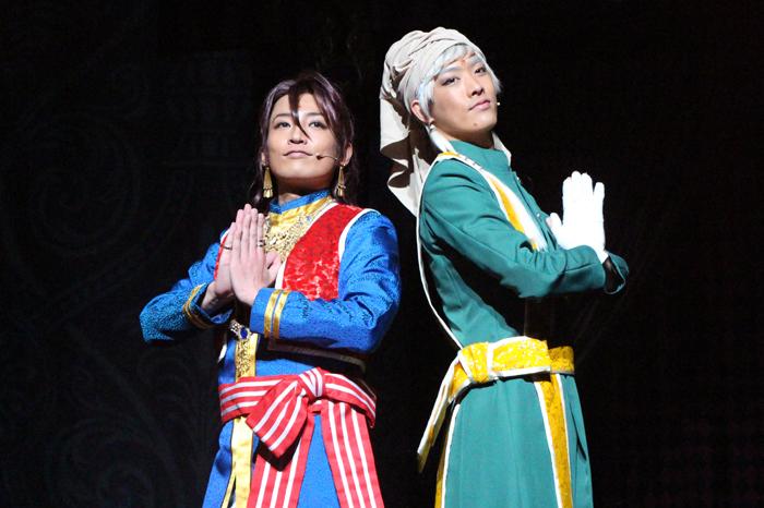 (左から)ソーマ・アスマン・カダール役の陳内将、アグニ役のTAKUYA
