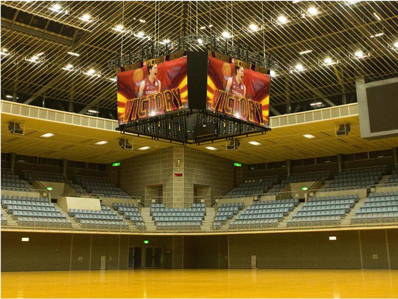 NBAでよく見かけるセンターハングビジョン、天井スピーカーが今シーズンより設置される