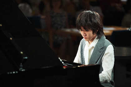 想いと感性を演奏に乗せて伝える17歳の異才ピアニスト・Kyle(紀平凱成/きひらかいる)