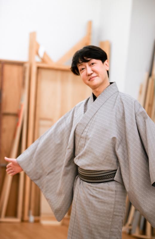 河合雪之丞。三代目市川猿之助(現・猿翁)門下、市川春猿の名で歌舞伎の女方として活躍。2017年、歌舞伎界から新派へ。