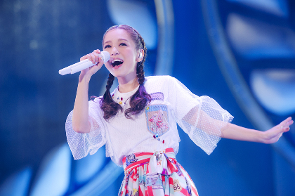 西野カナ、20万人を動員したアリーナツアー閉幕 クリスマスソングのカバーやウクレレも生披露へ