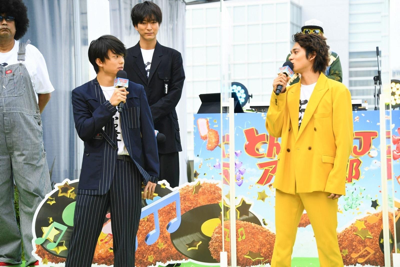 左から、伊藤健太郎、北村匠海