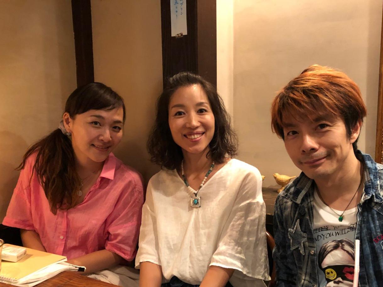 左から桑原裕子、花れん、扇谷研人 photo:MASANORI NARUKIYO