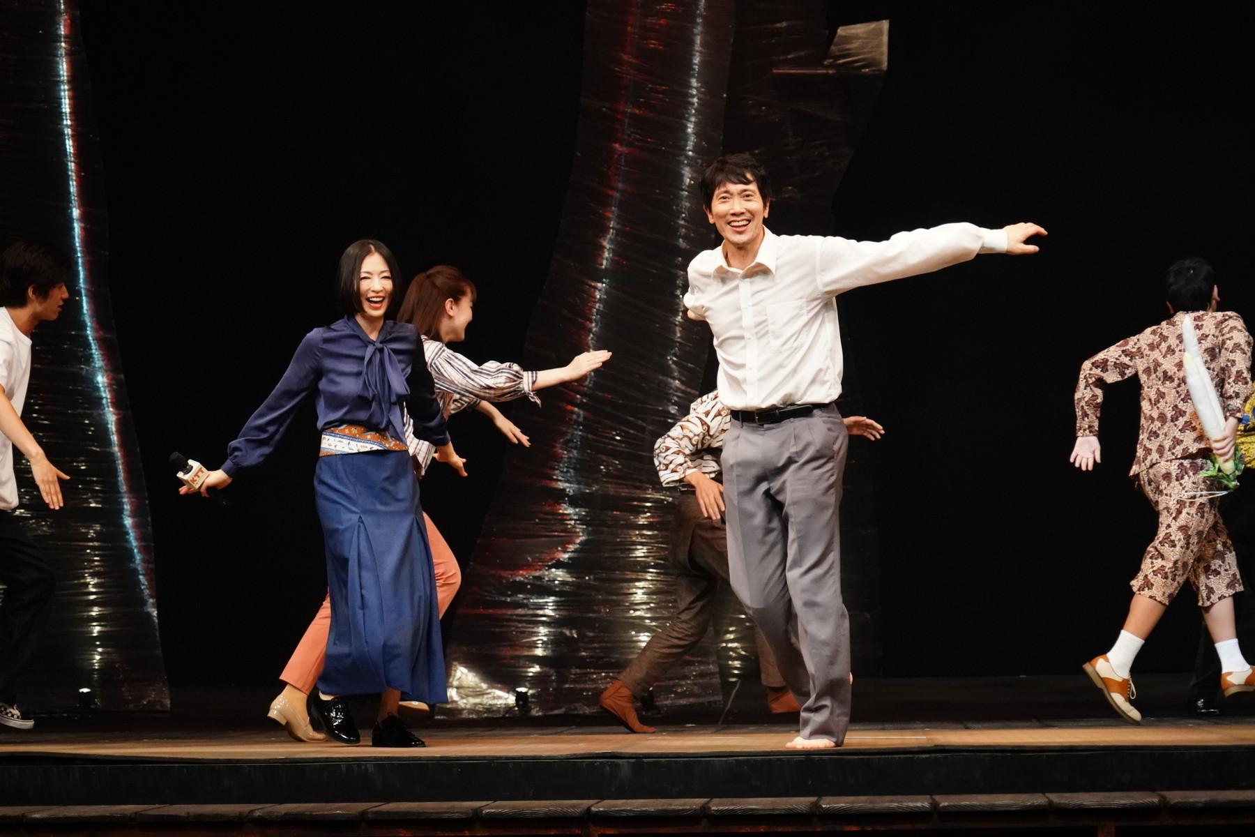 左から 松雪泰子、佐々木蔵之介 撮影:田中亜紀