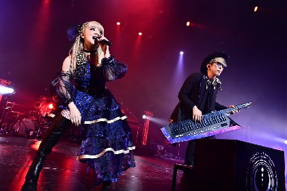 GARNiDELiA10周年を祝う、最大・最高の幕開け!全国ツアー「star trail」東京・ファーストライブレポ