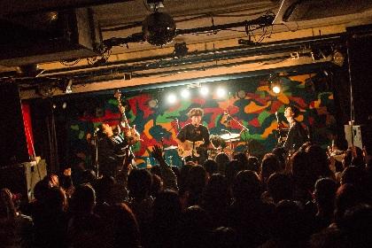 マイアミパーティが大阪でザ・モアイズユー、reGretGirlと競演ーー熱狂のバトンリレーで魅了する