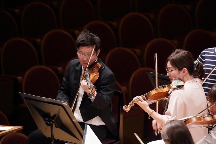 伝統を重んじつつ、楽譜を細部まで読み込まなければいけません     (C)飯島隆
