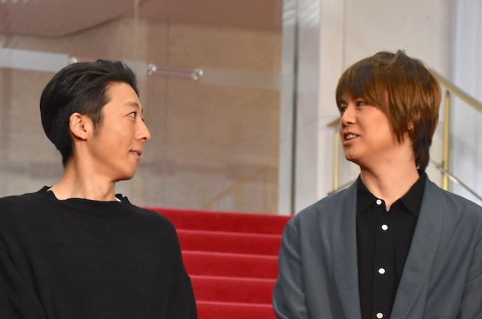 高橋一生、浦井健治(左から)