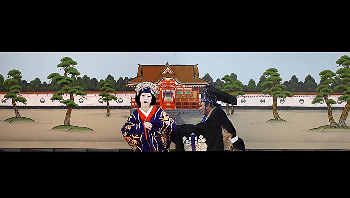 「図夢歌舞伎『忠臣蔵』第一回」右から、高師直=松本幸四郎、顔世御前=中村壱太郎(©松竹)