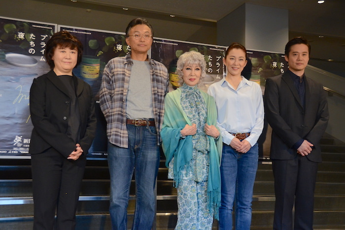 宮田慶子、相島一之、浅丘ルリ子、香寿たつき、佐川和正(左から)