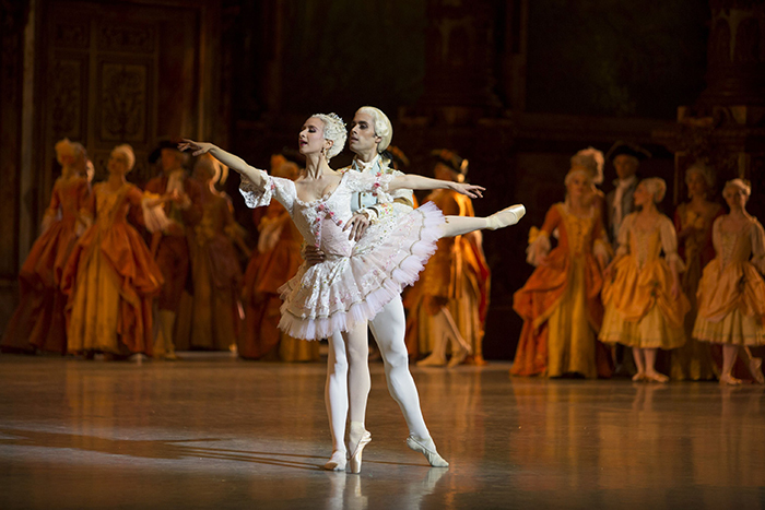 『眠れる森の美女』ミリアム・ウルド=ブラーム、マチアス・エイマン © Christian Leiber / Opéra national de Paris