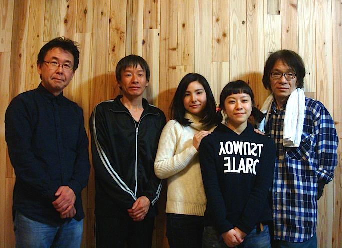 左から・加藤智宏、棚瀬みつぐ、秋葉由麻、早川綾子、小熊ヒデジ