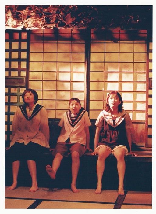 少年王者舘『御姉妹(再演)』(1997年)。演出は劇団員のバルボアが担当した [撮影]戸村登