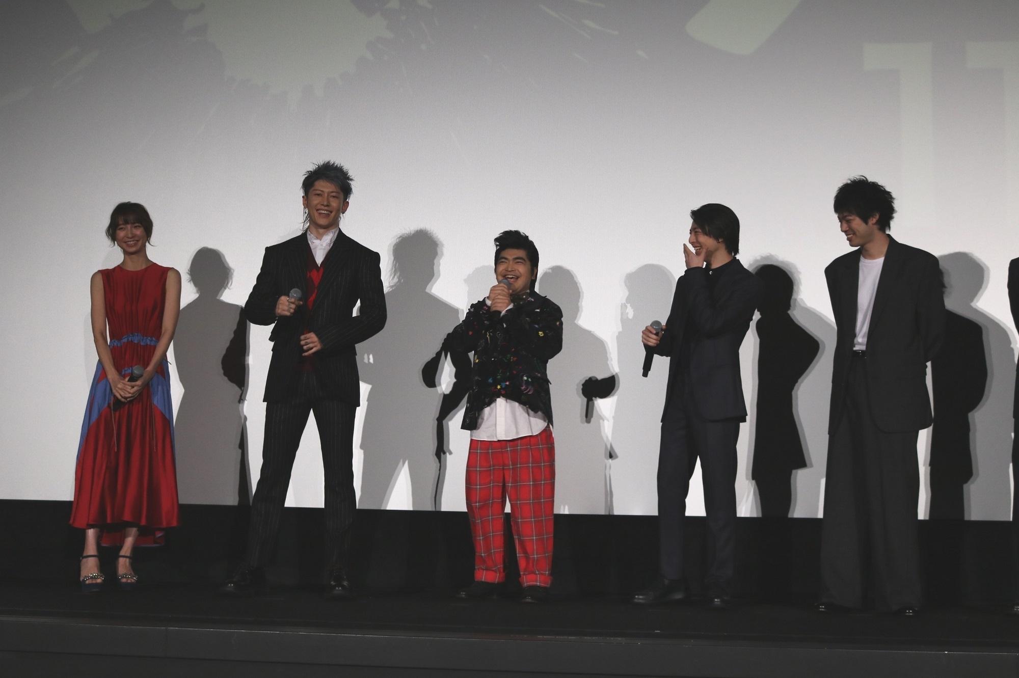 左から、篠田麻里子、MIYAVI、加藤諒、高杉真宙、渡辺大知、林遣都