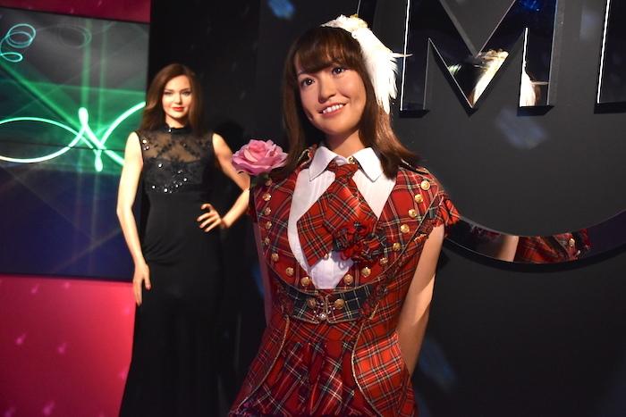 新エリアには、元AKB48の大島優子らのフィギュアが並ぶ