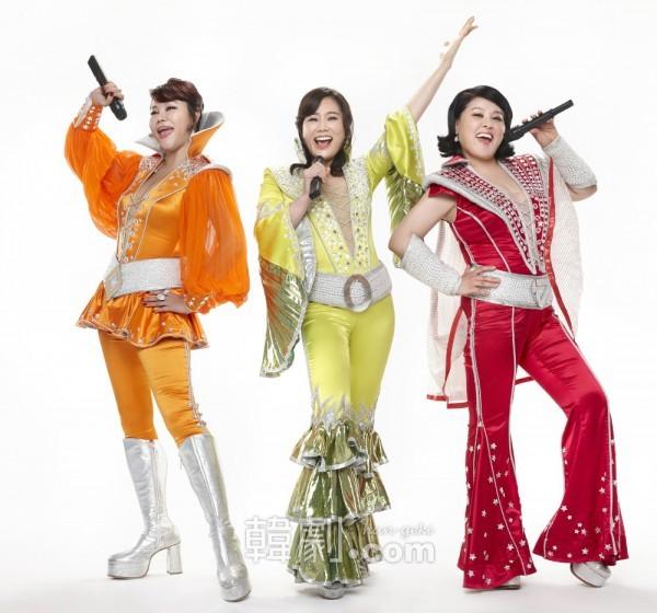 新顔のマンマ三銃士(写真左から)ターニャ役キム・ヨンジュ、ドナ役シン・ヨンスク、ロージー役ホン・ジミン