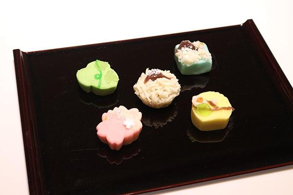 山種美術館のお楽しみのひとつが、企画展にちなんだオリジナル和菓子。今回も大観の名作5作をモチーフに用意