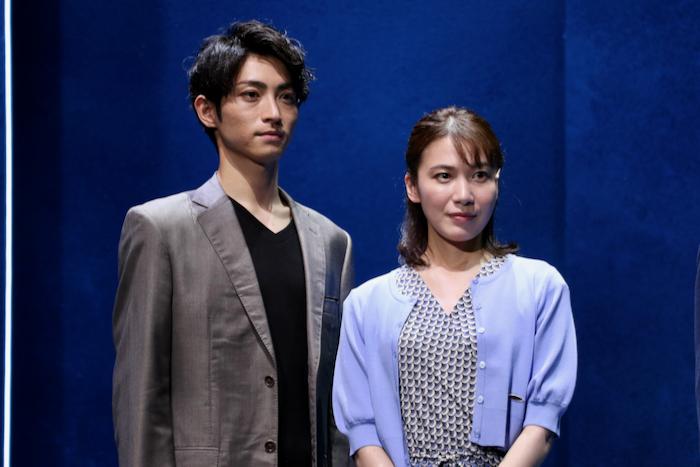 (左から)木村達成、村川絵梨