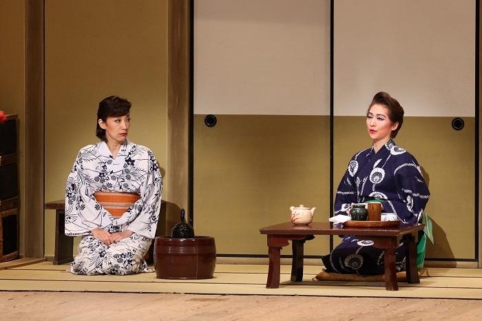 (左から)真琴つばさ・桜花昇ぼる