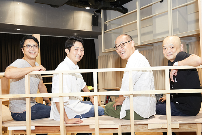 (左から)土田英生、石田明(NON STYLE)、山西惇、青木豪
