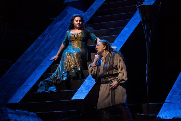 『ナブッコ』プラシド・ドミンゴ、リュドミラ・モナスティルスカ ⒸMarty Sohl/Metropolitan Opera